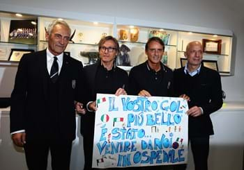 Azzurri visit Bambino Gesù hospital to put a smile on children's faces