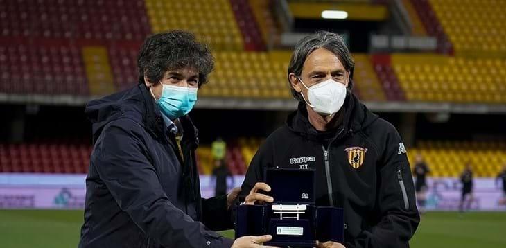 """Demetrio Albertini consegna a Inzaghi la Panchina d'argento: """"Complimenti, Filippo!"""""""
