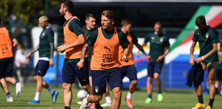 The Azzurri at Coverciano, Emerson and Jorginho to train with the group this afternoon. 26-man Euro squad will be announced today