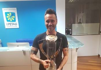 Great success for the Trophy Tour in Reggio Emilia: the singer Nek is among the visitors