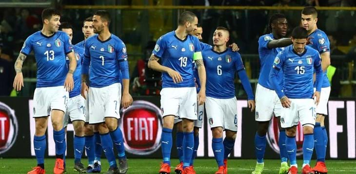 Mancini calls up 33 players for Greece and Bosnia and Herzegovina qualifiers